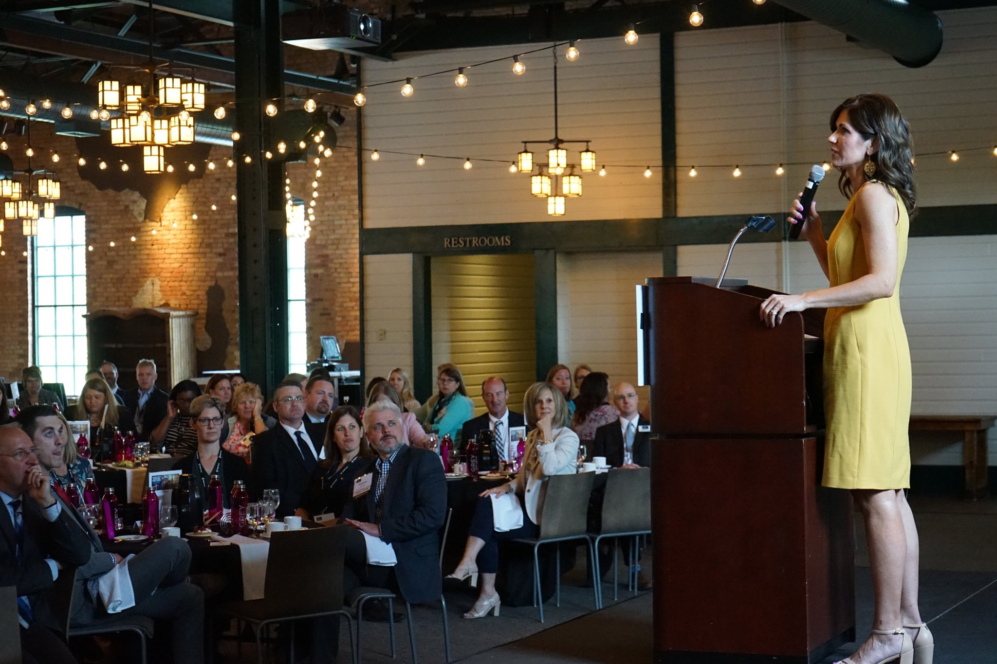 S.D. Governor Kristi Noem wows Women in Business attendees ...